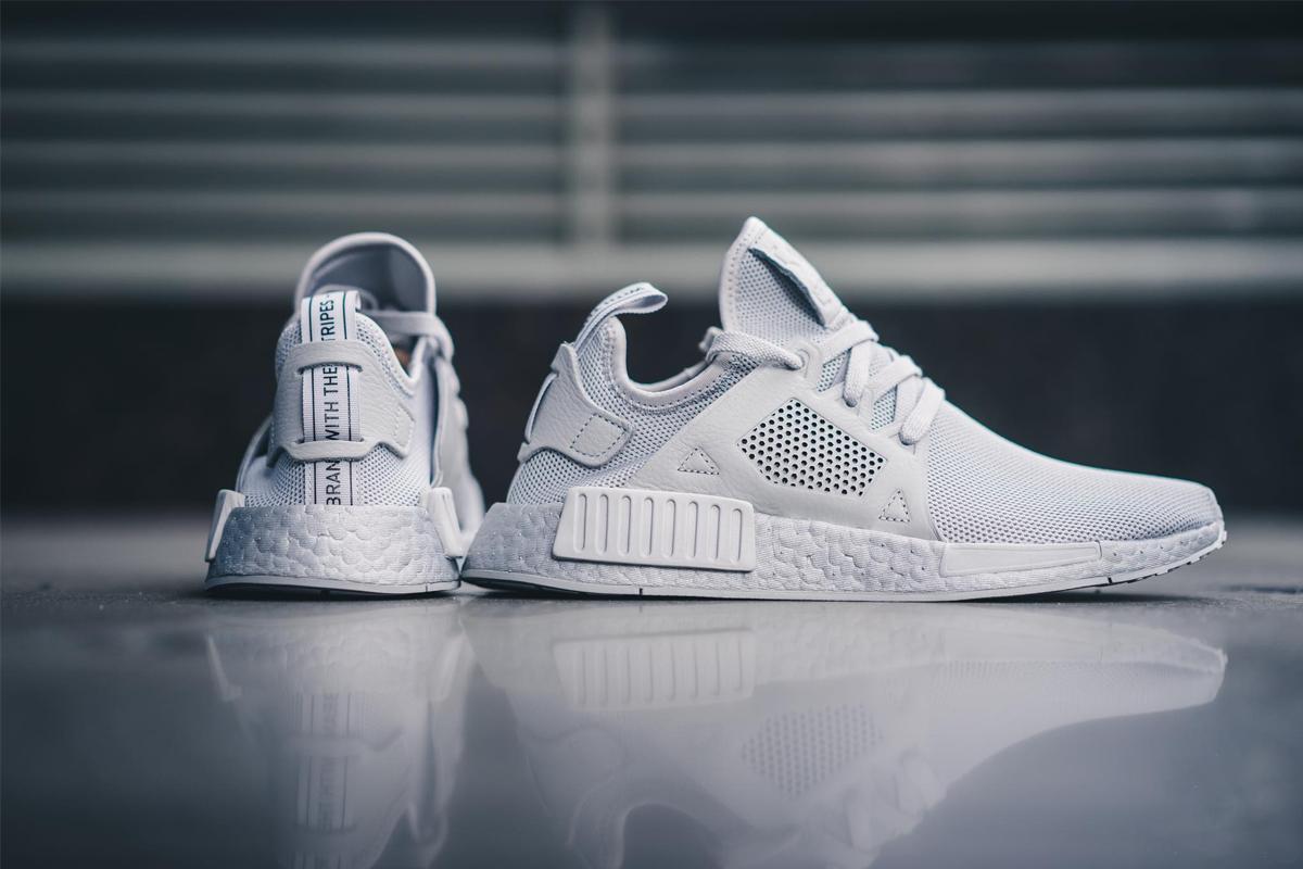 sneaker trắng