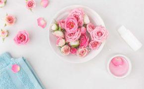 Dùng tới 3 loại nước hoa hồng chăm sóc da, liệu có cần thiết?