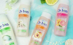 Review và so sánh 4 loại sữa tắm chiết xuất từ thiên nhiên của nhà St. Ives